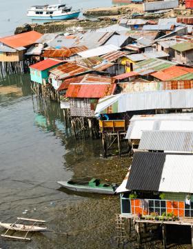 Settlement on water, Cebu City, Philippines