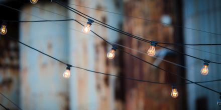 light-bulbs-Image by qimono from Pixabay