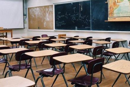 Classroom. Image by Wokandapix from Pixabay under Pixabay Licence