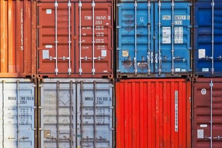 Containers Image by Hin und wieder gibts mal was from Pixabay under Pixabay Licence